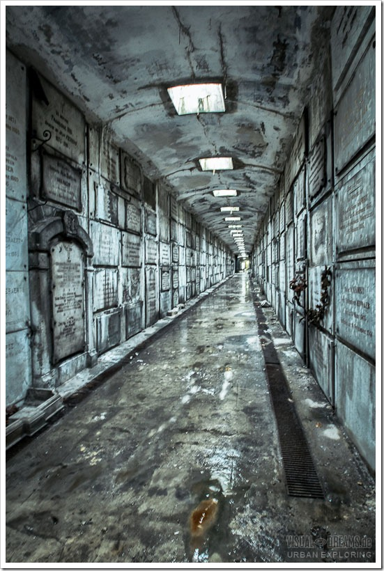 crypt06